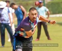 Captain Cool's cricket class in Noida