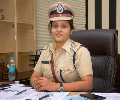 Cop who exposed VIP treatment given to Sasikala in jail served notice