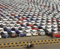 Carmakers in India to seek rupee trade payments with Africa