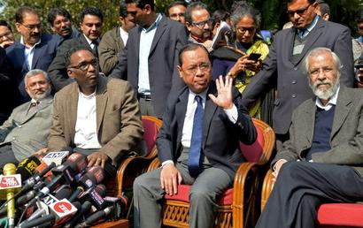 First signs of thaw: CJI reaches out, meets with 4 dissenting judges