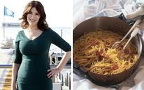 'An outrage to Italian cuisine': Nigella Lawson angers Italians with her controversial carbonara recipe