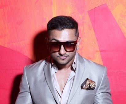 Yo Yo Honey Singh clocks 4 Million followers on Twitter