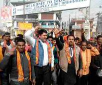 Shiv Sena protests against Pak over terror attacks