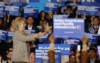 Clinton woos Asian-Americans, slams 'hateful' GOP rhetoric