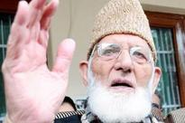Separatist leader Geelani detained while marching towards Badamibagh