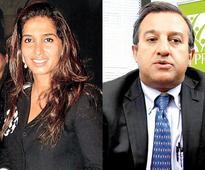 Poonam Bhagat lodges theft case against Jaidev Shroff