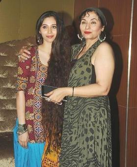 Pak origin singer-actor Salma Agha to get lifetime Indian visa