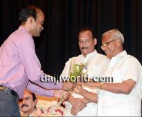 Mangaluru: Francis Fernandes Cascia's 'Matharo Chorbela' 75th show staged in city