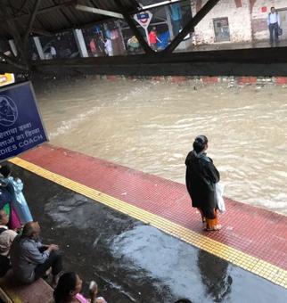 Mumbai under waist-deep water, more rain expected