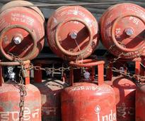 Additional 3 crore free LPG connections to cost Rs 4,800 cr