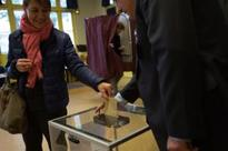 France begins voting in presidential poll amid high security