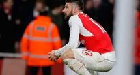 Arsenal climb to third in league, Chelsea save point against Manchester United