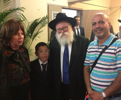 Moshe wants his bar mitzvah at Chabad House in 2013
