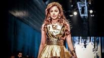 'Bigg Boss 10' contestant Nitibha Kaul makes her runway debut