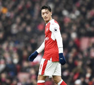 Ozil soon to decide on his Arsenal future