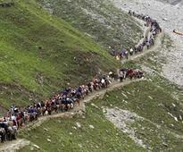 Fresh batch of pilgrims proceed for Amarnath Yatra despite curfew in Kashmir