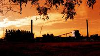 Clive Palmer given one week deadline on Townsville refinery safety