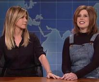 Jennifer Aniston Stops by SNL to Check Out Vanessa Bayer's Rachel Impression