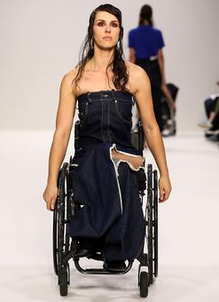 OMG! Models in wheelchairs on the ramp