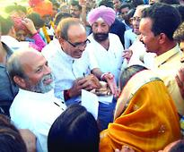 CM Chouhan honours farmers who gave land for Simhastha