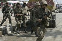 Pakistan: 2 soldiers, 4 suicide bombers killed in attack on army camp
