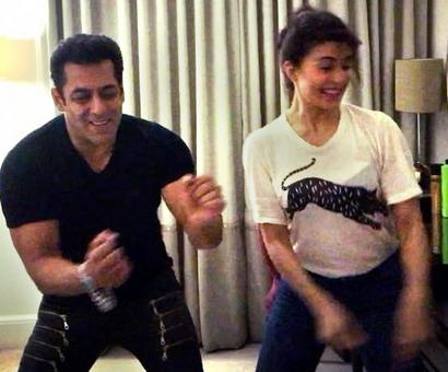 Inside Salman's Dabangg tour with Jacqueline, Sonakshi