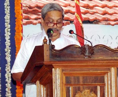 Parrikar makes ghar wapsi as he sworn-in as Goa CM