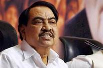 Before family bought land, Eknath Khadse held meeting to talk compensation
