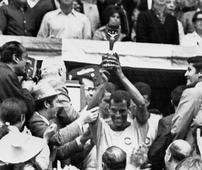Tributes paid to Brazil's 'eternal captain'