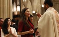How lack of reverence for the Eucharist puts people off Catholicism