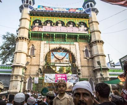 Ajmer Dargah head's comment on triple talaq sparks family feud