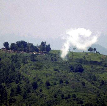 Pak troops shell forward posts, villages in J-K's Poonch