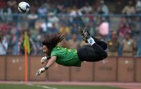 Colombian legend Rene Higuita recreates his magical scorpion kick at Al Nassr training (Video)