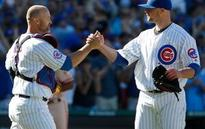 LEADING OFF: Cubs go for Wrigley record, Porcello chases 22