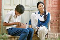 Nil Battey Sannata: Learning by heart