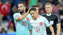 Arda Turan, Emre Mor star as Turkey defeat the Czech Republic