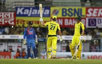 Australia thrash India by 8 wickets to level T20I series