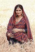 Aarti Singh reappears as the regressive mom