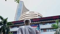 Markets continue record-setting run for fourth session on monsoon cheer