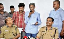 Key Maoist leader surrenders