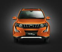 Mahindra XUV500 vs Tata Hexa vs Toyota Innova Crysta  Spec Comparison