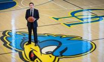 Notre Dame's Ingelsby introduced as Blue Hens new basketball coach