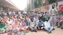 Employees of Guru Nanak Dev Thermal Plant protest decision to buy power from pvt companies