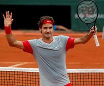 Roger Federer reaches crossroads at Wimbledon
