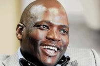 Hlaudi Motsoeneng gets huge payout from fraudulent R1-billion housing scheme  Report