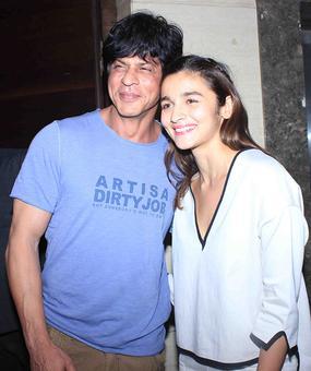 PIX: Shah Rukh watches Udta Punjab with Alia