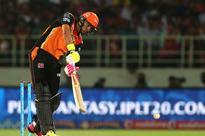 Yuvraj, Warner Take Sunrisers Hyderabad to 7-Wicket Win Over KXIP