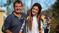 Hockeyroos star Anna Flanagan draws support from family and teammates