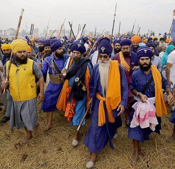 Punjab: Sikh hardliners in preventive custody