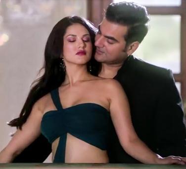 Box Office: Tera Intezaar, Firangi fair badly